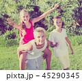 子 子供 キッズの写真 45290345