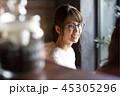 ランチを注文する女性たち 45305296
