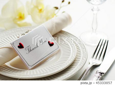 メッセージカードとディナープレート 45333057