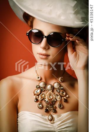 edvardian woman in sunglasses 45336147