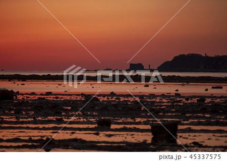 秋田県男鹿市 鵜ノ崎海岸の夕焼け 45337575