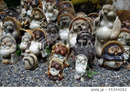 日本 京都 狸谷山不動院 狸の置物 Japan Kyoto Raccoon ornament 45344262