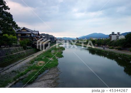 日本 京都 鴨川 夕暮れ時 Japan Kyoto Kamogawa at sunset 45344267