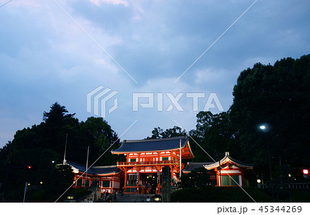 日本 京都 八坂神社 Japan Kyoto Yasaka Shrine at sunset 45344269