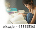 人物 女性 本の写真 45366508