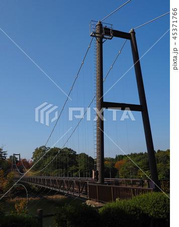 野岳大橋(長崎県:野岳湖:秋の行楽シーズン) 45371766