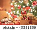 クリスマスイメージ くるみ割り人形 45381869