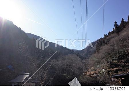 田舎の風景、山の集落と青空、群馬県南牧村 45388705