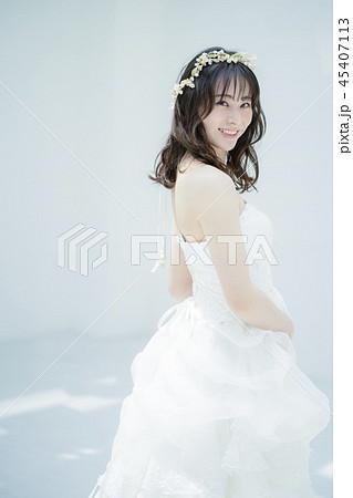 女性 結婚 ブライダルイメージ 45407113