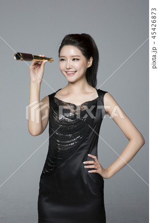 beautiful young woman announcing, shouting, speaking concept photo. attractive young woman isolated. 284 45426873