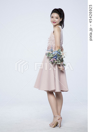 beautiful young woman announcing, shouting, speaking concept photo. attractive young woman isolated. 238 45426925