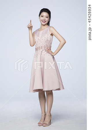 beautiful young woman announcing, shouting, speaking concept photo. attractive young woman isolated. 251 45426934