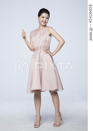 beautiful young woman announcing, shouting, speaking concept photo. attractive young woman isolated. 230 45426958
