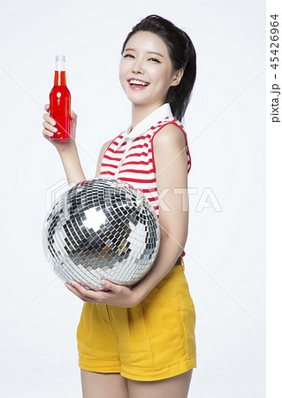 beautiful young woman announcing, shouting, speaking concept photo. attractive young woman isolated. 220 45426964