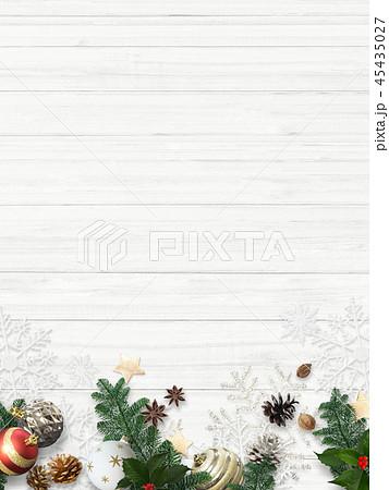 背景-白壁-クリスマス-飾り 45435027