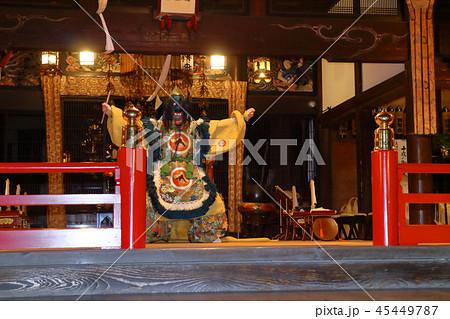 ロマンチック茨城(大洗町の西福寺にて11月6日より~十夜大法要が行われる。これは舞楽の奉納である。) 45449787