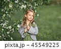 女の子 女子 お花の写真 45549225