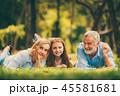 ファミリー 家庭 家族の写真 45581681