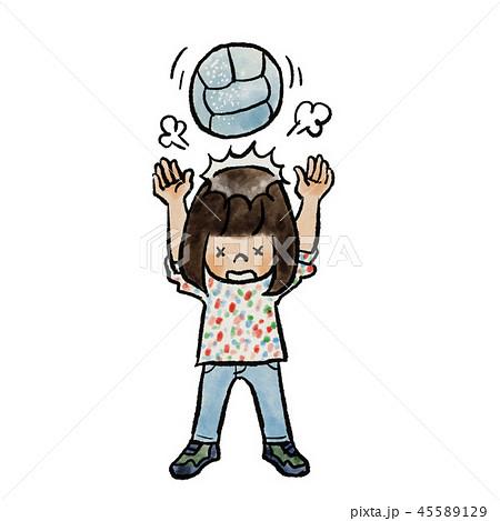 ドッジボールでヘディングする子供 45589129