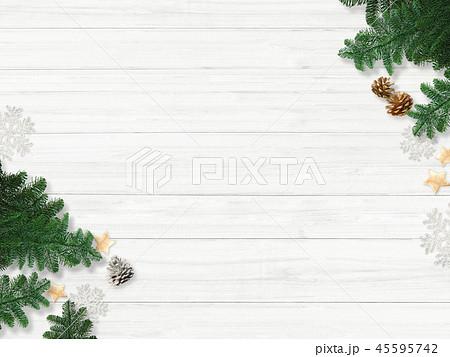 背景-白壁-クリスマス-飾り 45595742