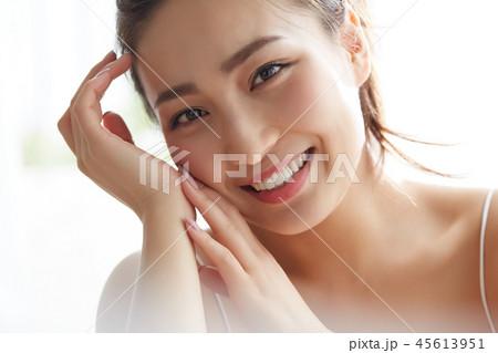 女性 ビューティーイメージ 45613951