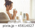 女性 リビング ティータイムの写真 45614027