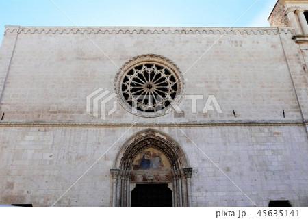 Santa Maria della Tomba サンタ・マリア・デッラ・トンバ教会 スルモナ 45635141