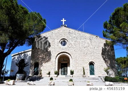 Santa Maria del Monte サンタ・マリア・デル・モンテ教会 Campobasso 45635159