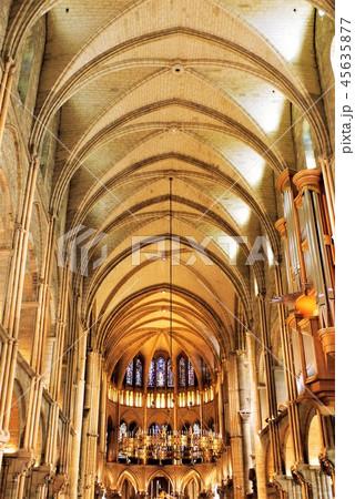 Basilique Saint-Remi サンレミ聖堂 45635877