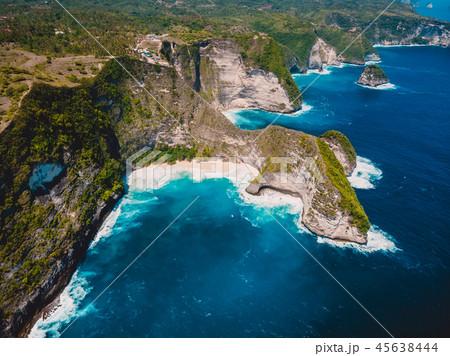 Kelingking beach and blue ocean in Nusa Penida 45638444