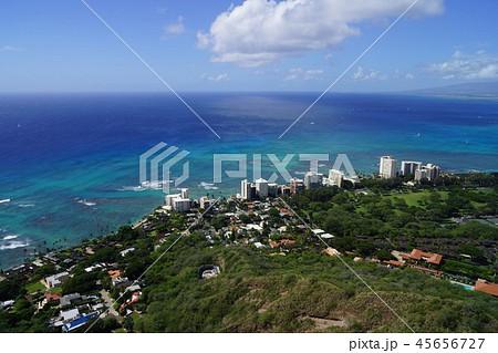 ハワイ ダイヤモンドヘッドから見たトングスビーチ 45656727