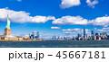 ニューヨーク 自由の女神とベイエリアの摩天楼 ワイド 45667181