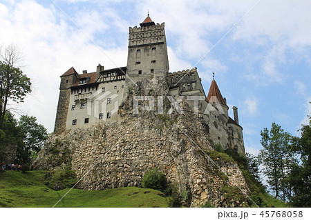 ブラン城 ブラショフ ルーマニア ヨーロッパ 吸血鬼ドラキュラの舞台 45768058