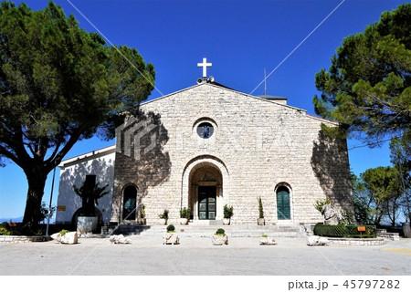 Santa Maria del Monte サンタ・マリア・デル・モンテ教会 Campobasso 45797282