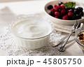 ヨーグルト 朝食 デザートの写真 45805750