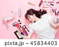 携帯電話 女性 人物の写真 45834403