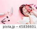 携帯電話 女性 メスの写真 45836601