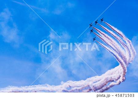 青空イメージ (ブルーインパルス曲技飛行) 45871503