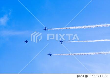 青空イメージ (ブルーインパルス曲技飛行) 45871509
