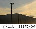 【北海道】夕暮れの銭函(海辺の電柱) 45872406
