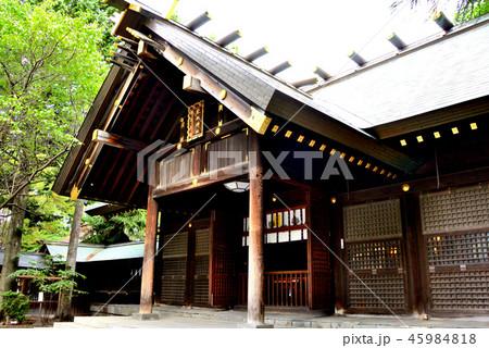 札幌市琴似神社の拝殿(斜め) 45984818