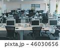 オフィス 社内 デスクの写真 46030656