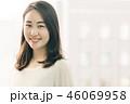 女性 笑顔 若いの写真 46069958