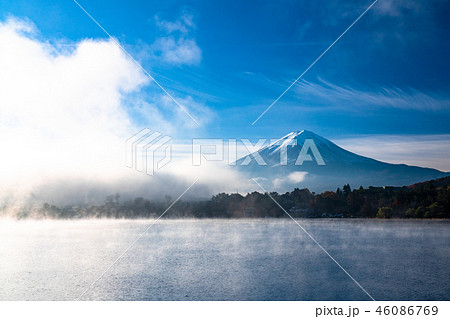 《山梨県》富士山・霧の河口湖 46086769