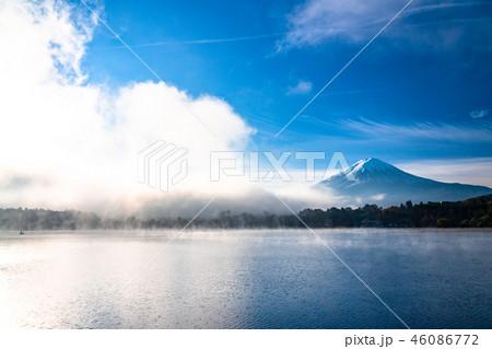 《山梨県》富士山・霧の河口湖 46086772