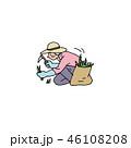 草刈りをするおばあちゃん 46108208