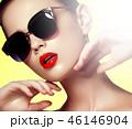 サングラス メイクアップ 化粧の写真 46146904