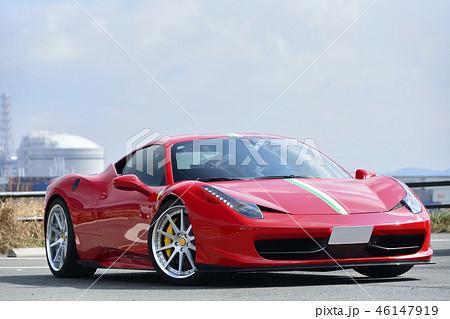 赤い高級スポーツカー 46147919
