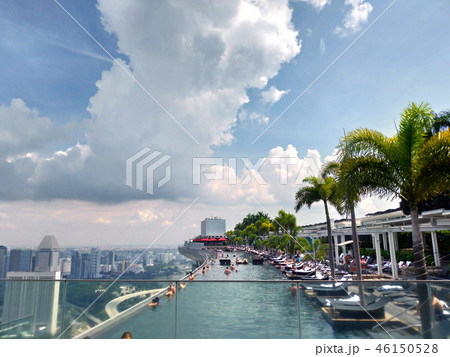 シンガポール マリーナベイサンズ インフィニティプール 観光客 Singapore Pool 46150528