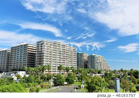 青空のマンション風景 46163707